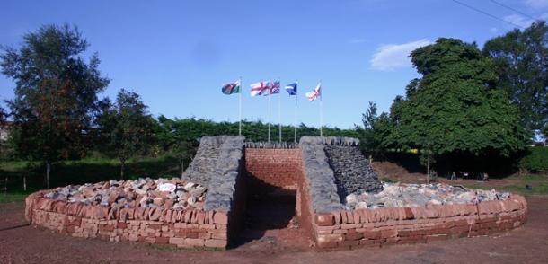 Cairn entrance